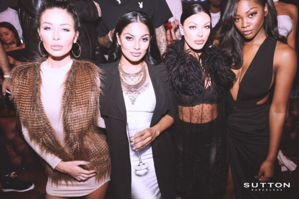 chicas en sutton club